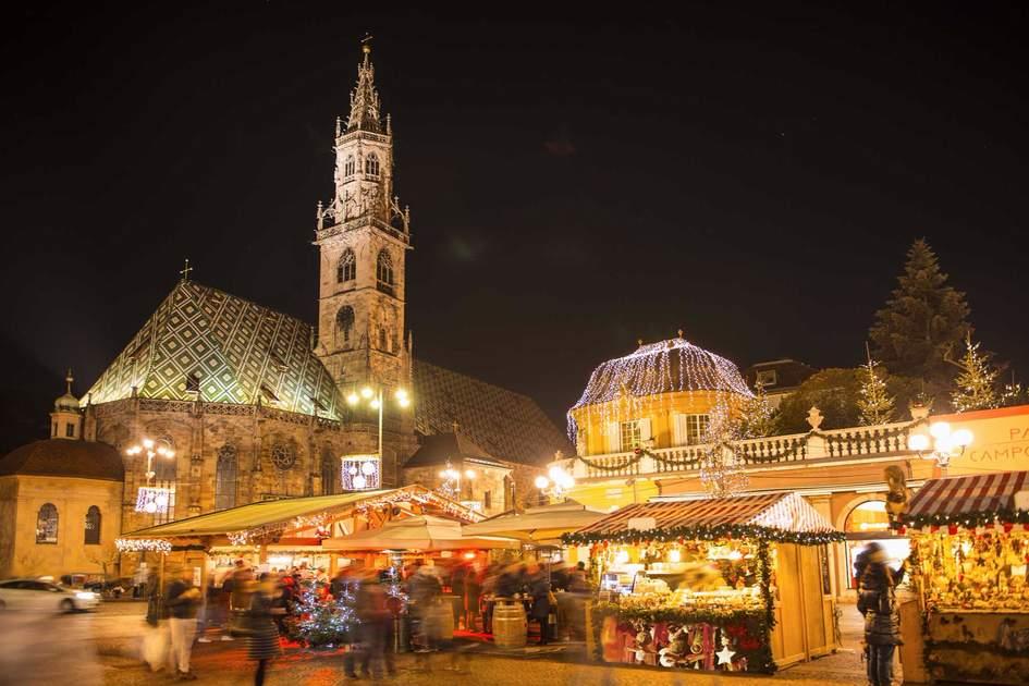Bolzano Christmas market, Italy. Photo: dolomite-summits/Shutterstock