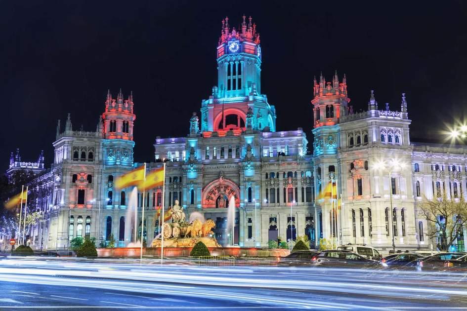 Plaza de Cibeles at Christmas, Madrid