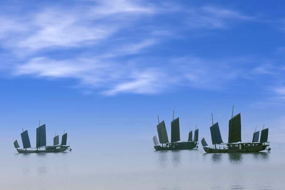 Chinese fishing boats sailing in Wuxi, China, Taihu Lake