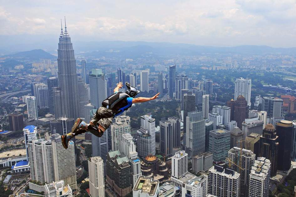 Jumping off from KL Tower. Photo: Shutterstock