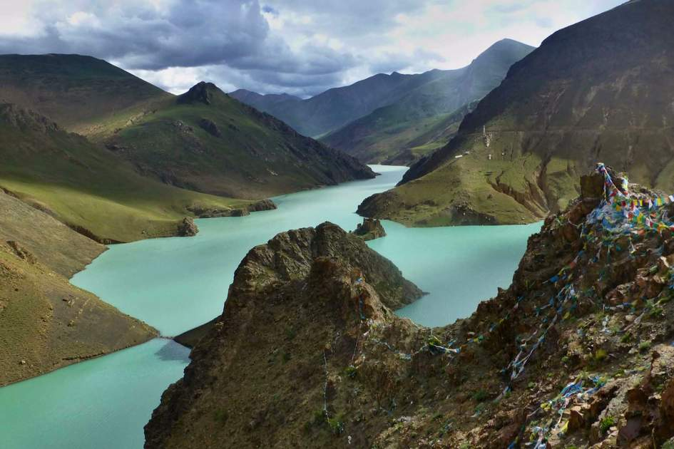 Yamdrok Tso is one of Tibet´s most beautiful lakes.