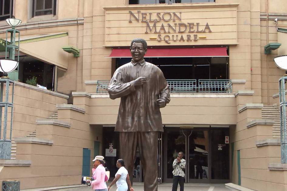 Bronze statue of Nelson Mandela in Johannesburg. Photo: Shutterstock