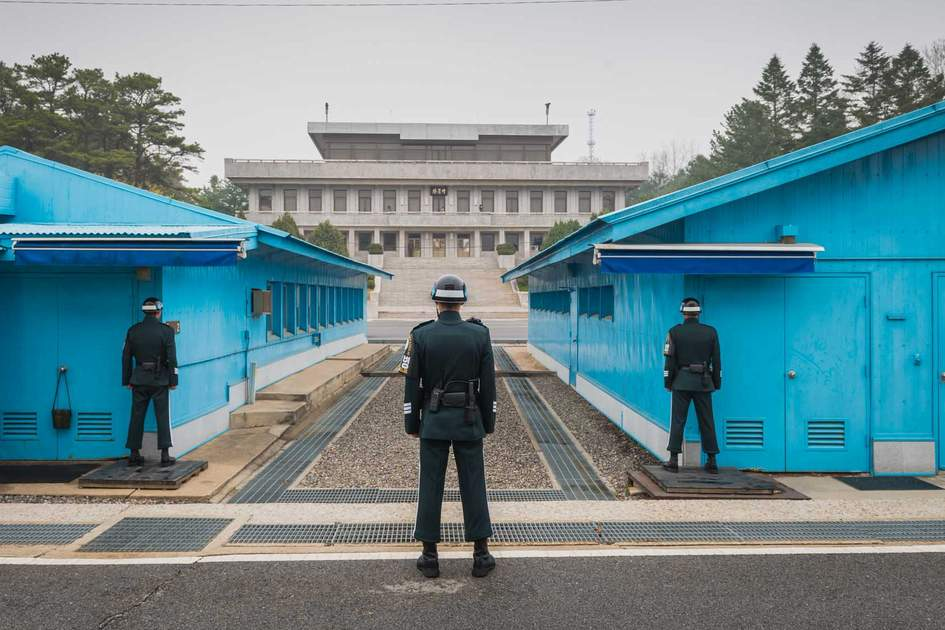 South Korean soldiers standing guard at the Demilitarised Zone (DMZ). Photo: Shutterstock