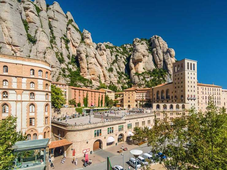 catalonia travel guide