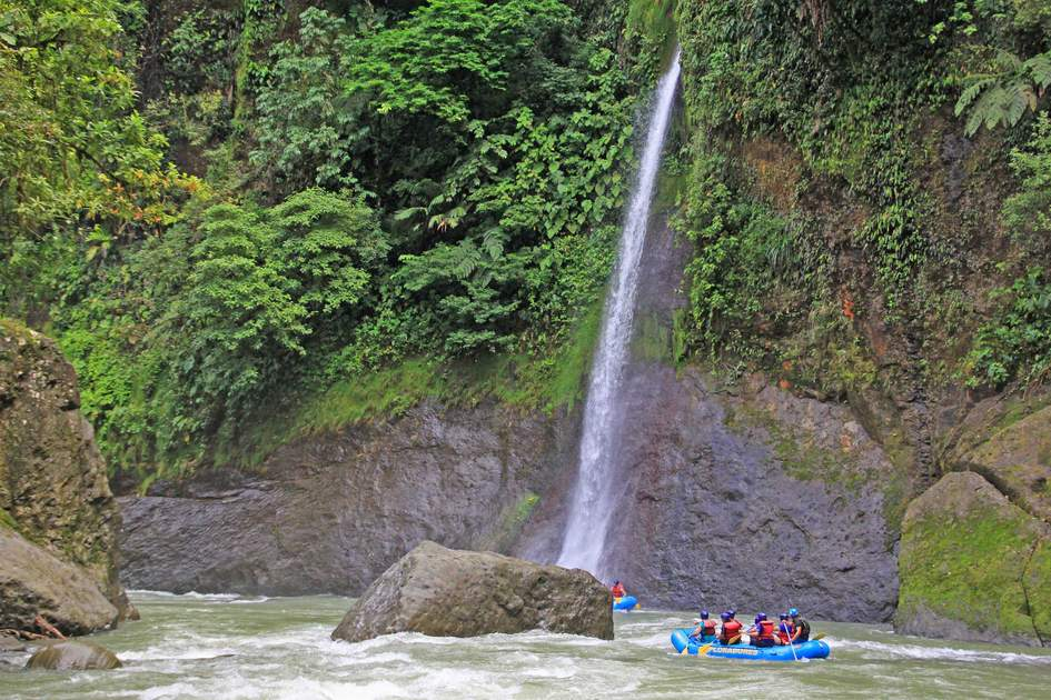 Rafting on the Pacuare River, Costa Rica. Photo: Shutterstock