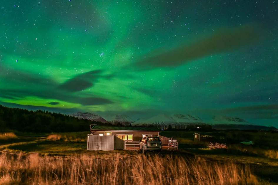 Northern Lights in Iceland. Photo: weniliou/Shutterstock
