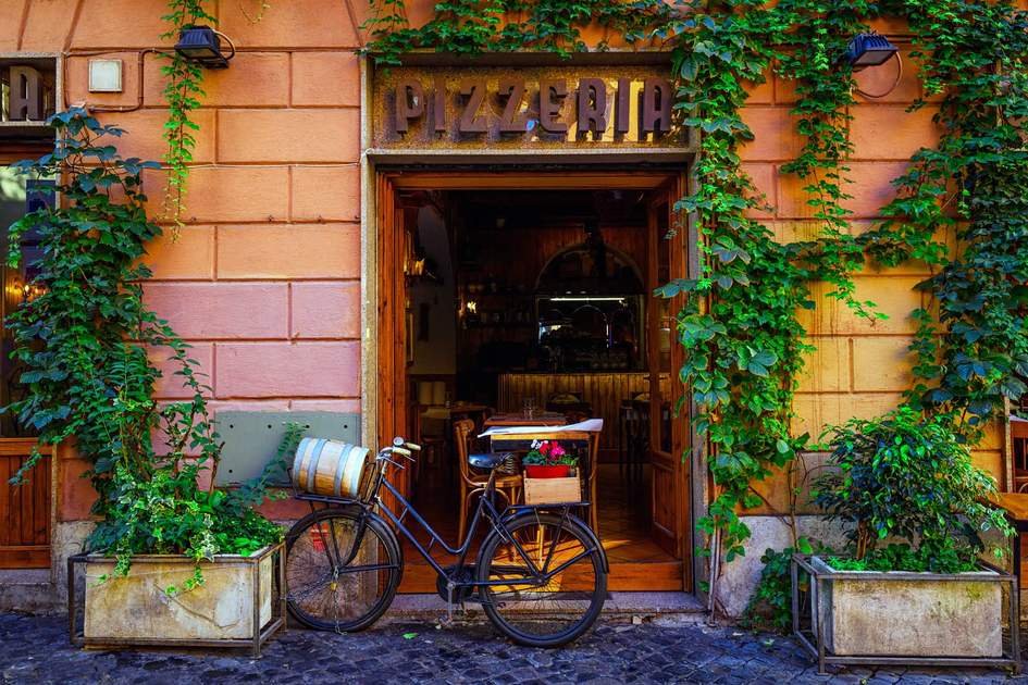 Trastevere restaurant in Rome. Photo: Shutterstock