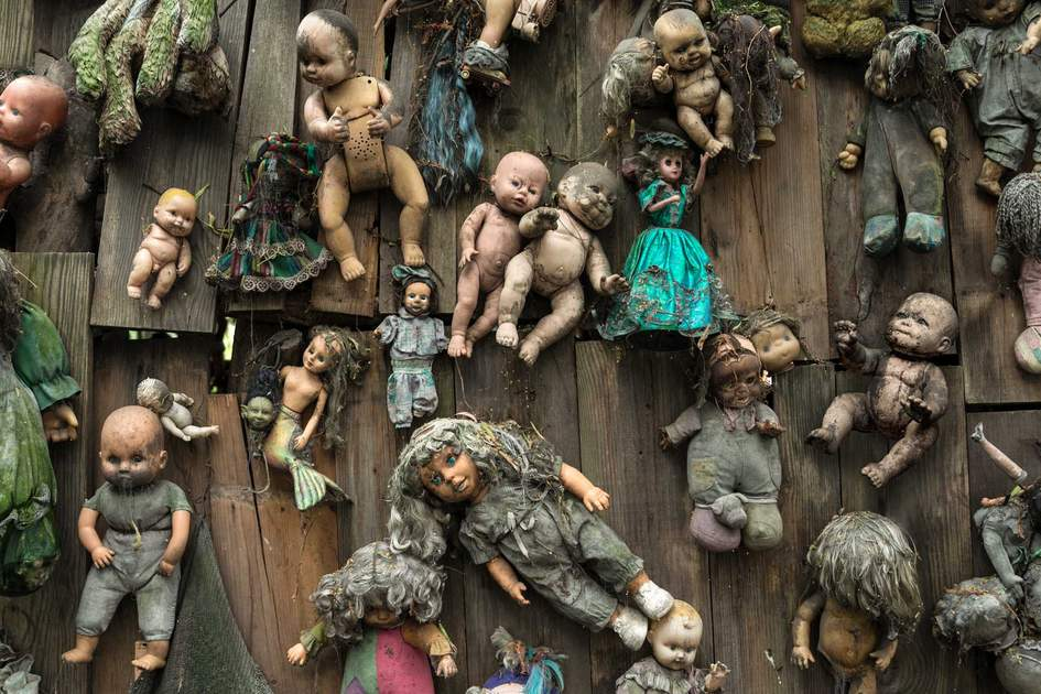 Abandoned dolls in Xochimilco, Mexico. Photo: Shutterstock