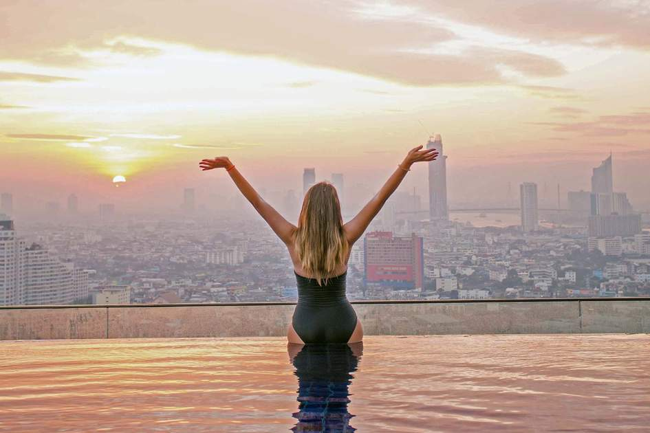 Infinity pool in Bangkok's hotel. Photo: Shutterstock