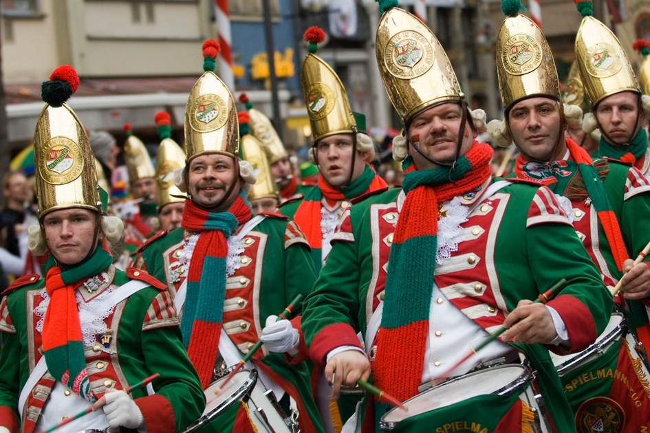 Marching band at Carnival in Cologne. Photo: Dieter Jacobi / KölnTourismus GmbH