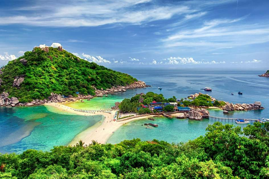 Nang Yuan Island off the coast of Ko Tao, Thailand. Photo:  anek.soowannaphoom/Shutterstock