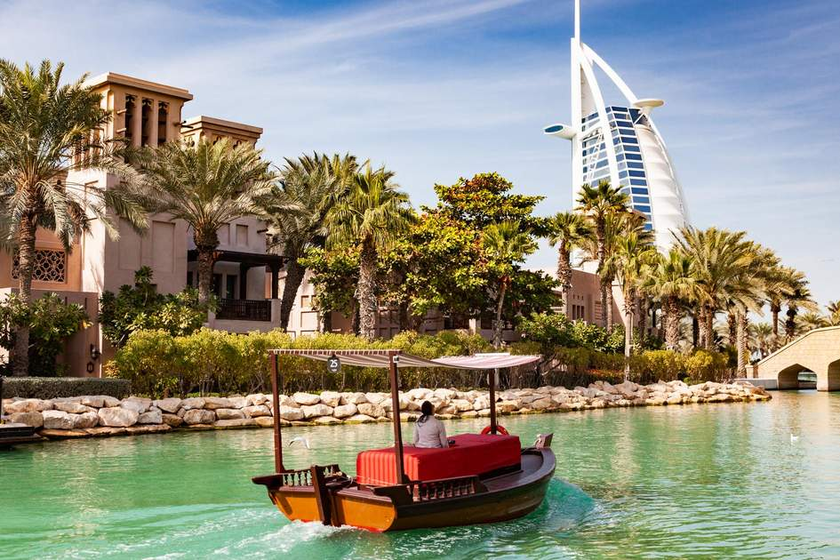 A visit to the impressive Madinat Jumeirah resort with its covered market and choice of bars and restaurants is a great thing to do in Dubai. Photo: Melinda Nagy/Shutterstock