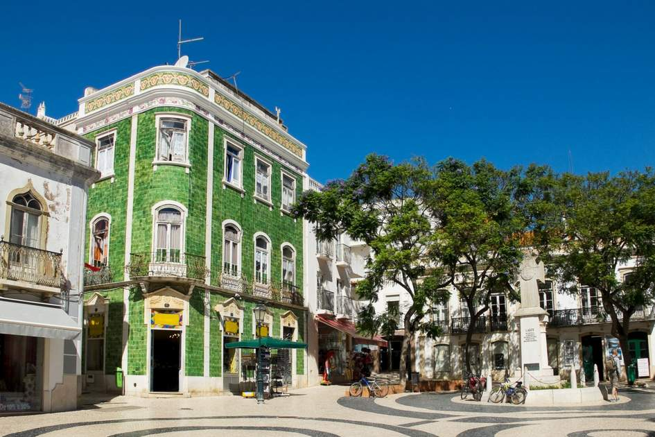 Praca Luis de Camoes square in Lagos, Portugal. Photo: Alvaro German Vilela/Shutterstock