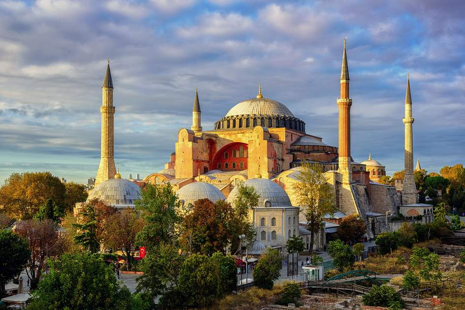 Hagia Sophia domes and minarets in the old town of Istanbul, Turkey. Photo: Boris Stroujko/Shutterstock
