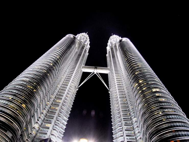 petronas twin towers holidays by insight guides discover trips  petronas twin towers