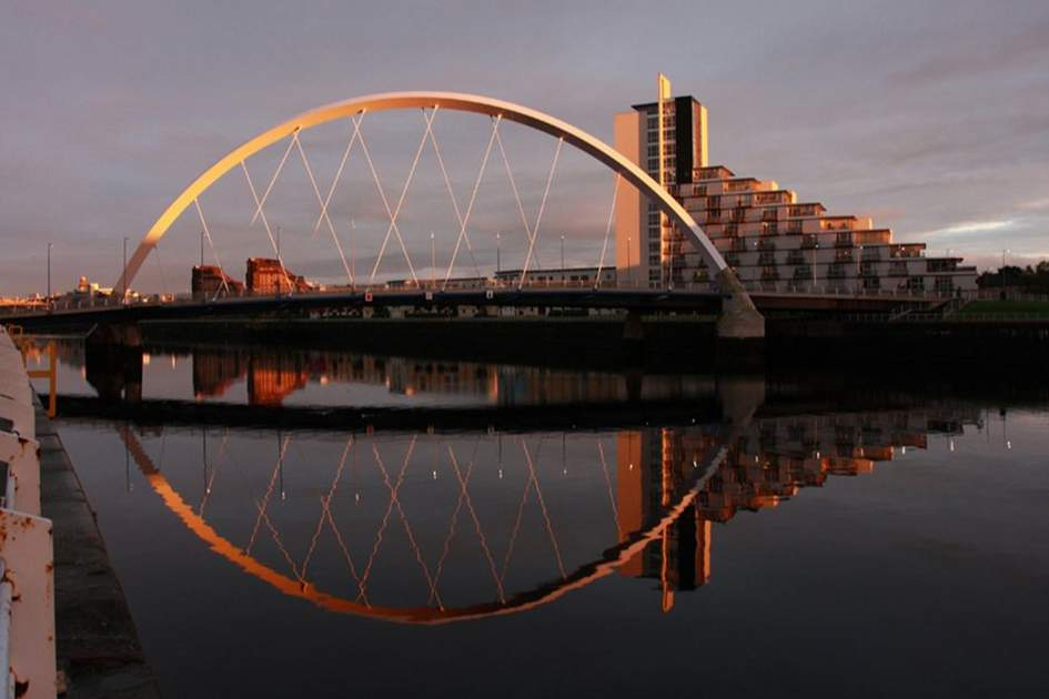 THE CLYDE ARC, KNOWN LOCALLY AS THE SQUINTY BRIDGE IS NOW IN FULL WORKING ORDER AFTER REPAIRS LASTING OVER SIX MONTHS CAME TO AN END IN JUNE THIS YEAR 2008. THE BRIDGE WAS OFFICIALLY OPENED IN 2006 BY GLASGOW CITY  COUNCIL STEVEN PURCELL, (photo by Apa)