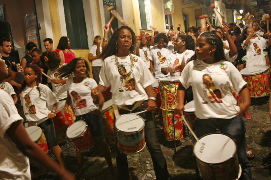 People playing drums on the streets at Largo de Pelourinho, Salvador, Bahia, (photo by Yadid Levy)