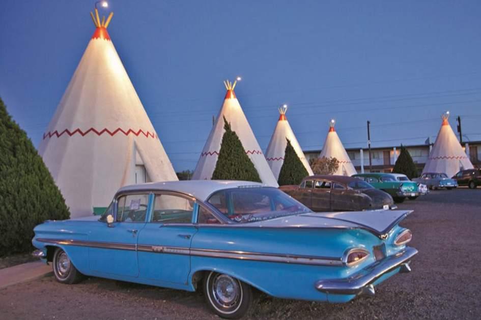 Kitsch comfort –the Wigwam Motel in Arizona, (photo by Richard Nowitz )