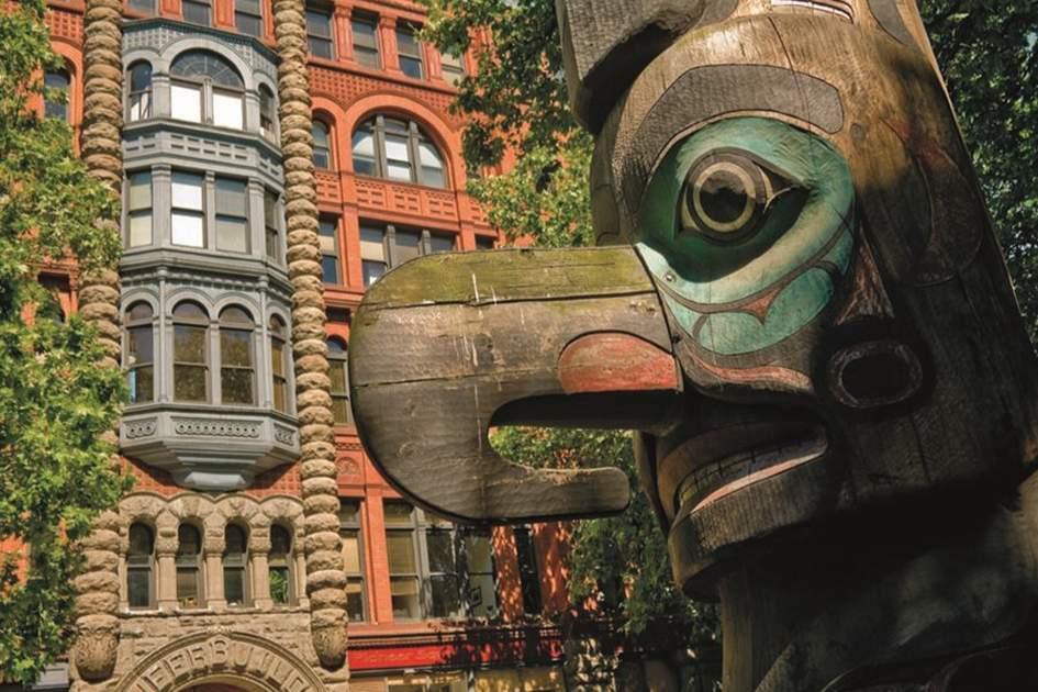 Totem pole in Seattle, (photo by Tim Thompson)