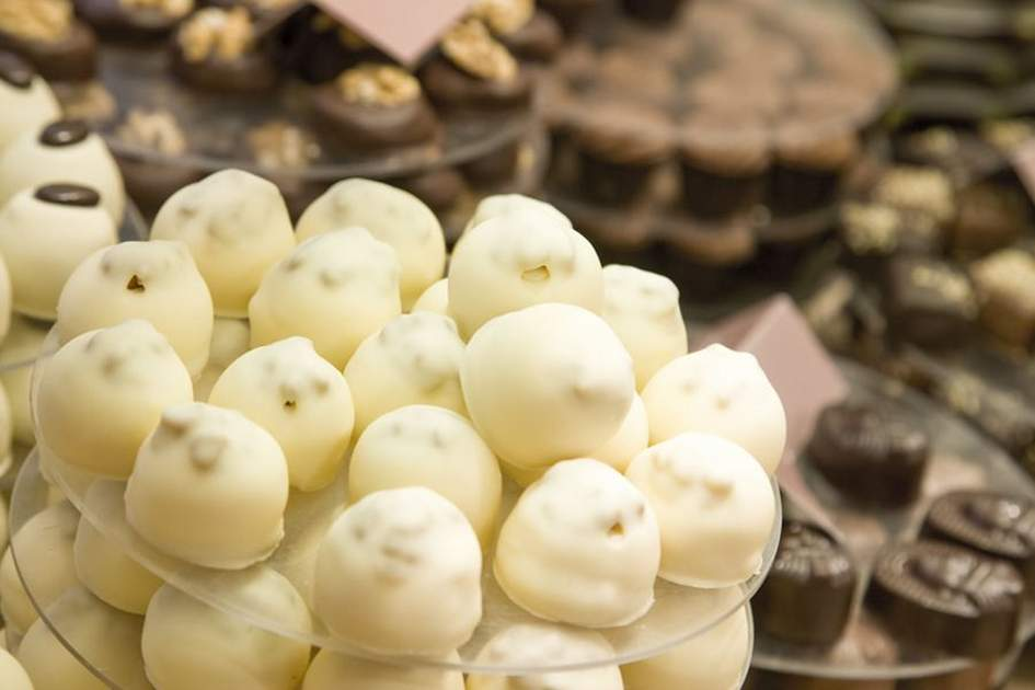 Chocolates on sale in Bruges, (photo by G Genin)