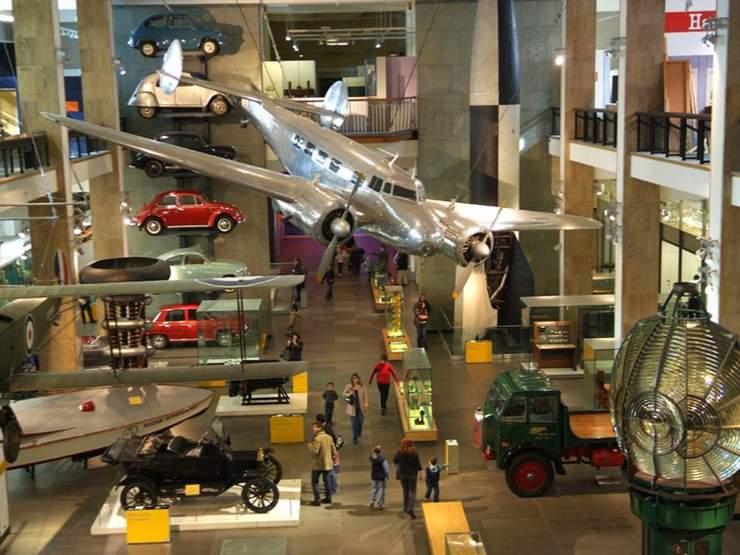 Lontoon museo ratkojat