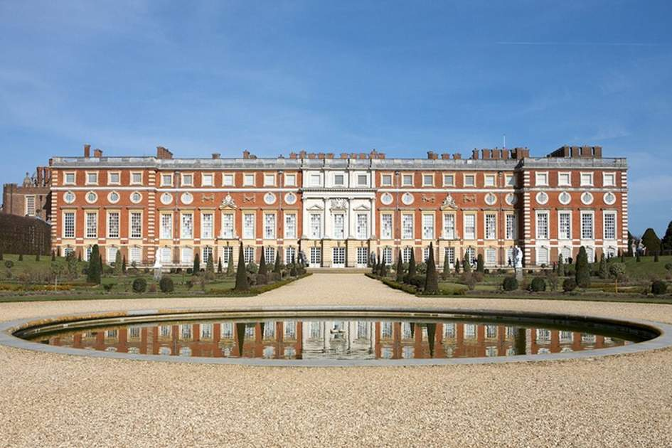 Hampton Court Palace, (photo by Peter Pearson - With thanks)
