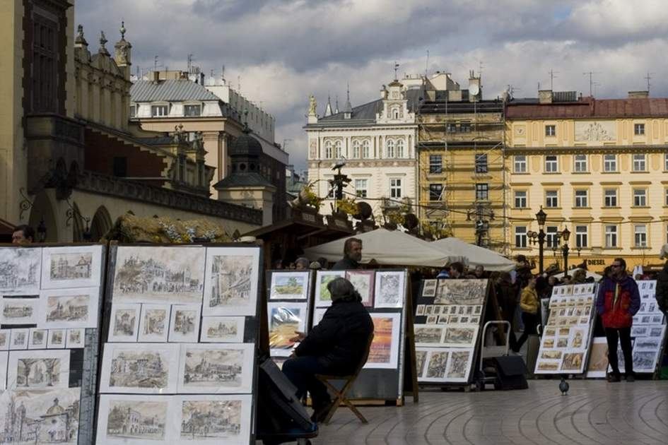 Paintings for sale, Rynek Glowny, (photo by Corrie Wingate)