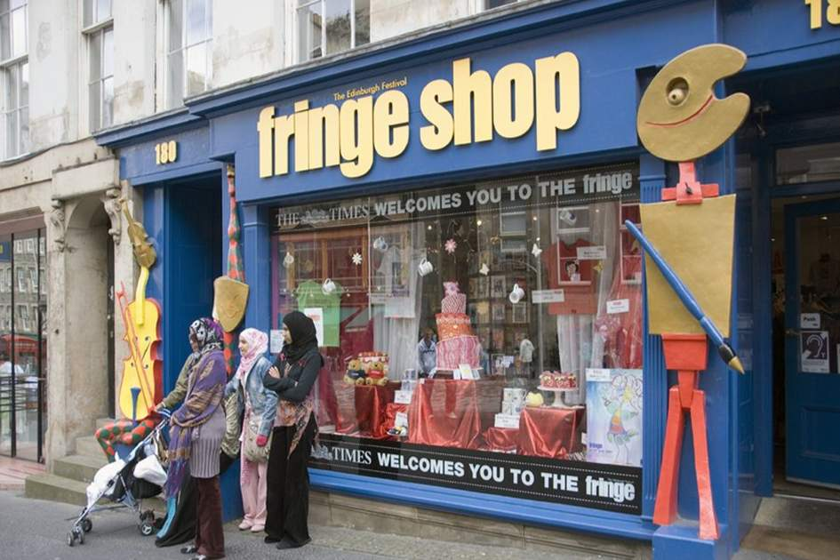 Edinburgh Fringe shop, (photo by Macgilvray)