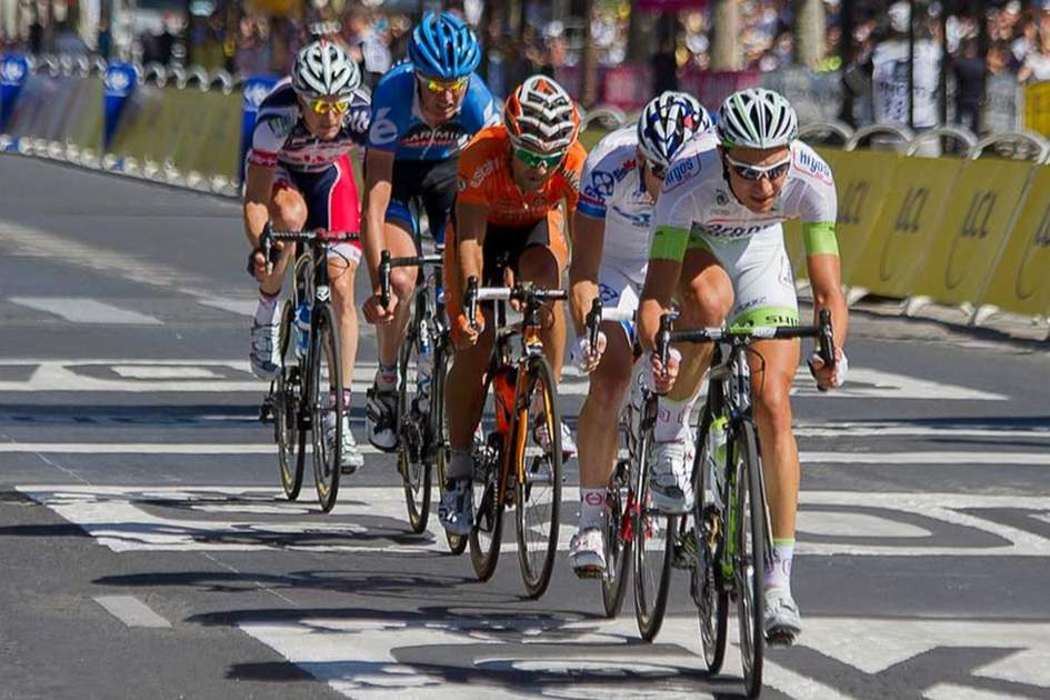 The tour finishes on the Champes Elysées in Paris, (photo by William Morice)