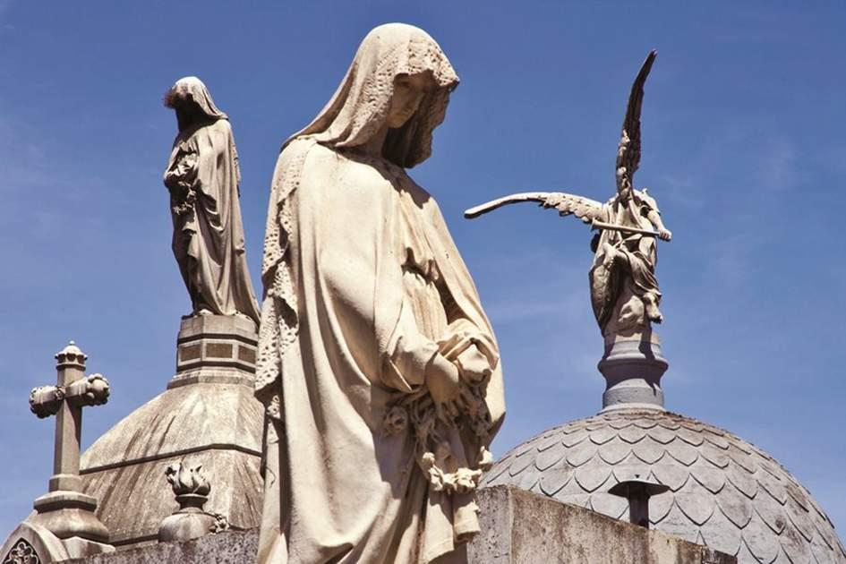 Cementerio del la Recoleta, Buenos Aires, (photo by Yadid Levy)